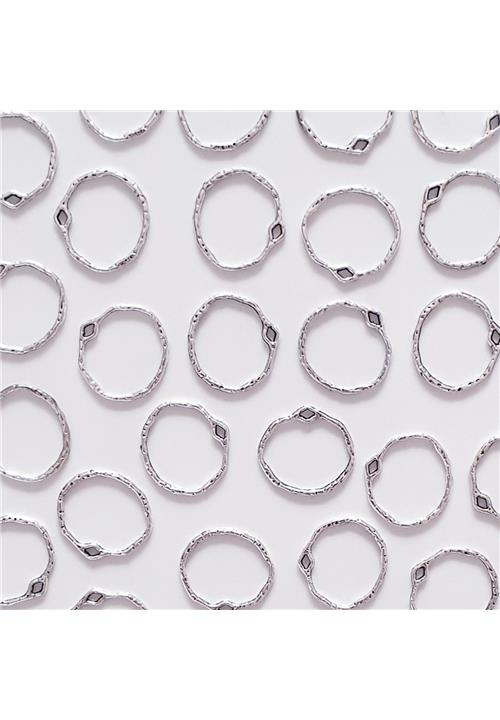 SILVER ABSTRACT CIRCLE FINDINGS